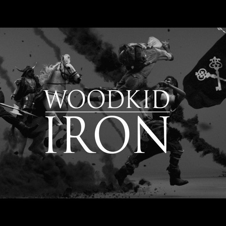 Clip de Woodkid pour Iron